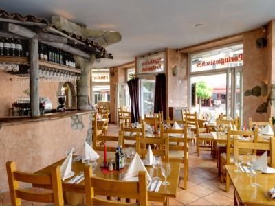 D. Jose Restaurant Hamburg Portugiesenviertel lebhafte Bar